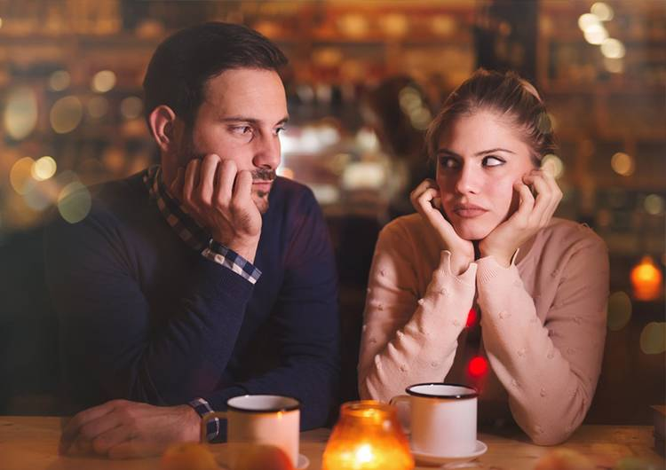 Online dating while in a relationship