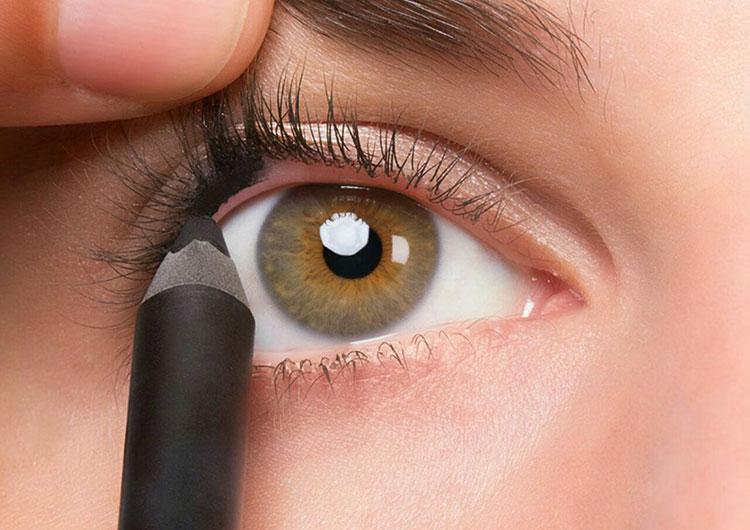 Как пользоваться карандашом для глаз: 10 важных правил